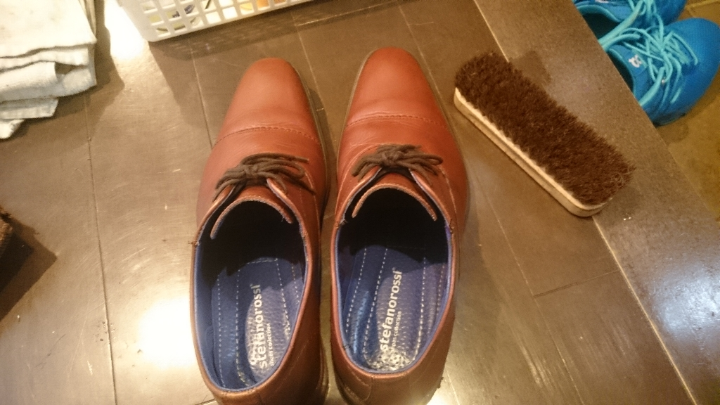 靴磨き (11)